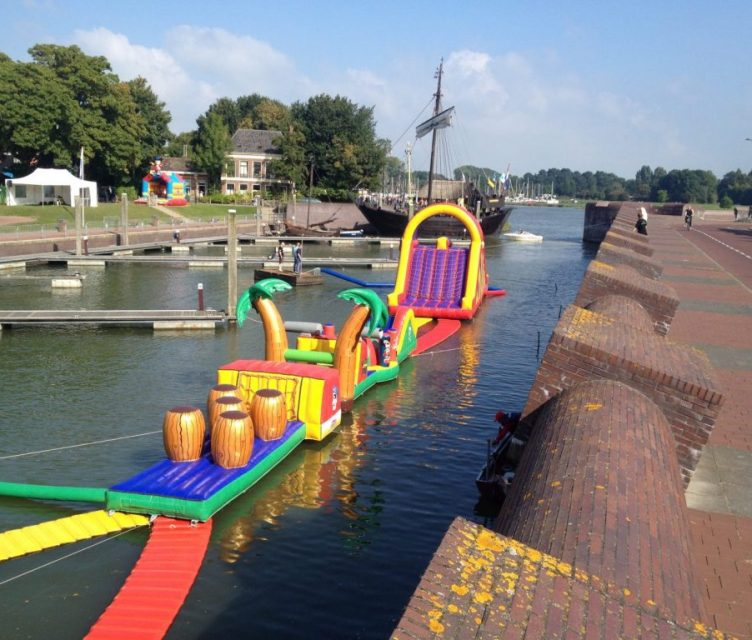 Mega-Waterbaan